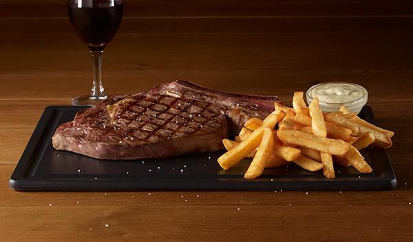 Les grillades restaurants grill courtepaille - Cote de boeuf barbecue weber ...